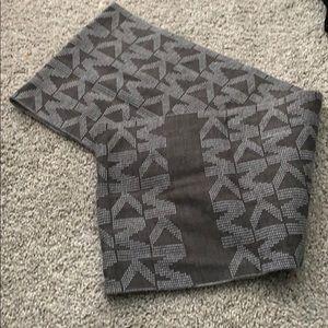 Micheal kora infinity scarf